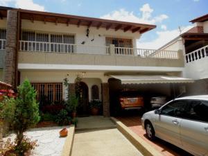 Casa En Venta En Caracas, Colinas De Santa Monica, Venezuela, VE RAH: 16-9767