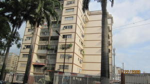 Apartamento En Venta En Valencia, Avenida Bolivar Norte, Venezuela, VE RAH: 16-9788