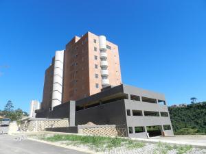 Apartamento En Venta En Caracas, Los Samanes, Venezuela, VE RAH: 16-9795