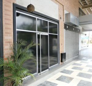 Local Comercial En Venta En Municipio Naguanagua, Las Quintas, Venezuela, VE RAH: 16-9810