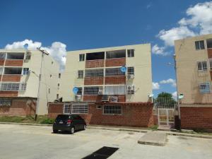 Apartamento En Venta En Santa Teresa, La Raiza, Venezuela, VE RAH: 16-9824