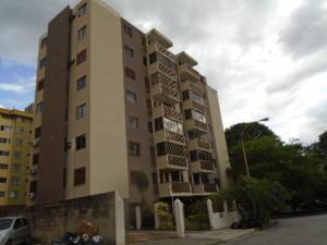 Apartamento En Venta En Valencia, Trigal Centro, Venezuela, VE RAH: 16-9908