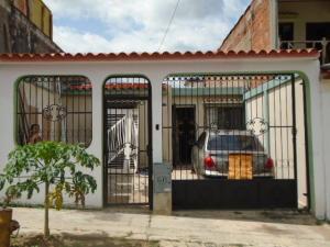 Casa En Venta En Municipio San Diego, La Esmeralda, Venezuela, VE RAH: 16-11220