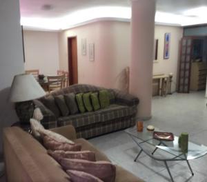 Apartamento En Venta En Maracaibo, Santa Rita, Venezuela, VE RAH: 16-10007