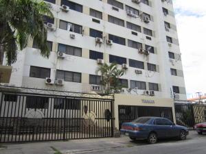 Apartamento En Venta En Margarita, Porlamar, Venezuela, VE RAH: 16-9885