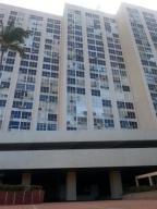 Apartamento En Venta En Parroquia Naiguata, Longa España, Venezuela, VE RAH: 16-9884