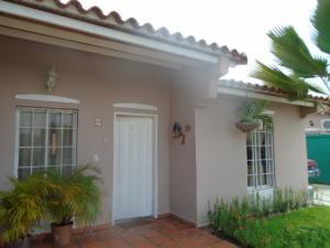 Casa En Venta En Guacara, Ciudad Alianza, Venezuela, VE RAH: 16-10587