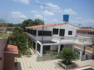 Casa En Venta En Tacarigua, Tacarigua, Venezuela, VE RAH: 16-9916