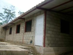 Casa En Venta En Tacarigua, Tacarigua, Venezuela, VE RAH: 16-9924