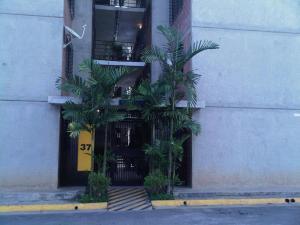 Apartamento En Venta En Caracas, Terrazas De La Vega, Venezuela, VE RAH: 16-9981