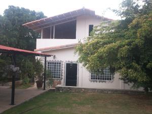 Casa En Venta En Cabudare, Parroquia Agua Viva, Venezuela, VE RAH: 16-9985