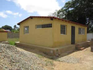 Casa En Venta En Municipio Antolin Del Campo Paraguachi, El Salado, Venezuela, VE RAH: 16-1879