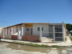 Casa En Venta En Guacara, Ciudad Alianza, Venezuela, VE RAH: 16-10037