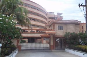 Apartamento En Venta En Tucacas, Tucacas, Venezuela, VE RAH: 16-10118