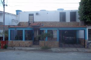 Casa En Venta En Municipio Naguanagua, Barbula, Venezuela, VE RAH: 16-10134