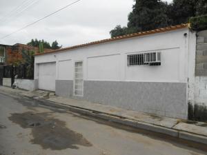 Casa En Venta En Maracay, San Carlos, Venezuela, VE RAH: 16-10057