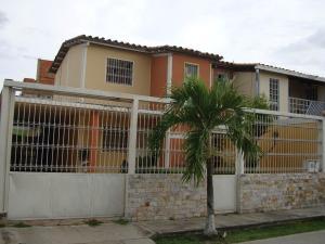 Casa En Venta En Maracay, Santa Rita, Venezuela, VE RAH: 16-10058