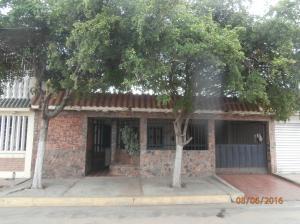 Casa En Venta En Municipio San Francisco, El Caujaro, Venezuela, VE RAH: 16-10084