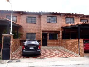 Casa En Venta En Guatire, Villa Del Este, Venezuela, VE RAH: 16-10162