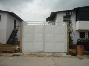 Casa En Venta En San Joaquin, La Pradera, Venezuela, VE RAH: 16-10121