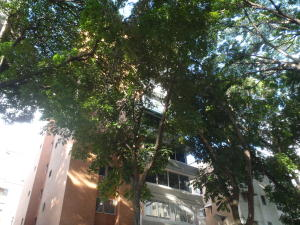 Apartamento En Venta En Caracas, Los Chaguaramos, Venezuela, VE RAH: 16-10122