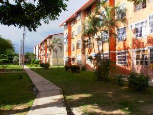 Apartamento En Venta En Maracay, Madre Maria, Venezuela, VE RAH: 16-10140