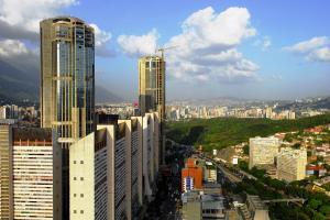 Apartamento En Venta En Caracas, Parque Central, Venezuela, VE RAH: 16-10720
