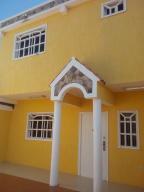 Townhouse En Venta En Cabimas, Buena Vista, Venezuela, VE RAH: 16-10191