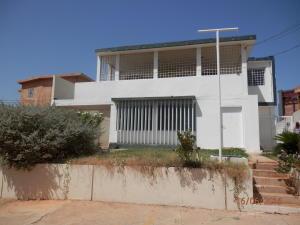 Casa En Venta En Maracaibo, Valle Frio, Venezuela, VE RAH: 16-10170