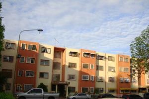 Apartamento En Venta En Cagua, La Haciendita, Venezuela, VE RAH: 16-10188