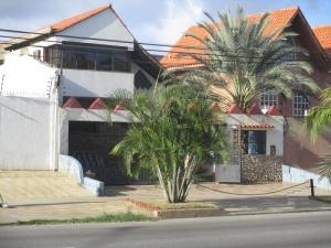 Casa En Venta En Municipio Garcia El Valle, El Valle Del Espiritu Santo, Venezuela, VE RAH: 16-10266