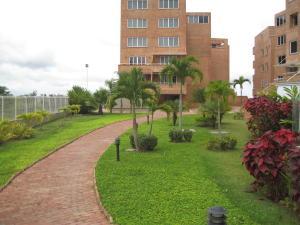 Apartamento En Venta En Caracas, Loma Linda, Venezuela, VE RAH: 16-10291