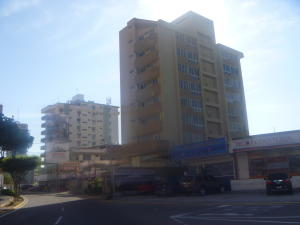 Apartamento En Venta En Maracaibo, Avenida Bella Vista, Venezuela, VE RAH: 16-4300