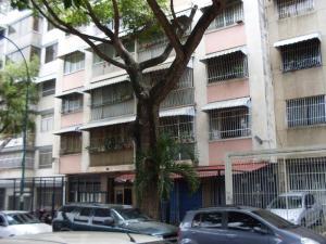 Apartamento En Venta En Caracas, Bello Campo, Venezuela, VE RAH: 16-10332