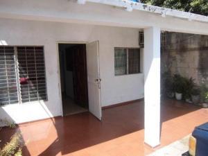 Casa En Venta En Maracaibo, Avenida Goajira, Venezuela, VE RAH: 16-10324