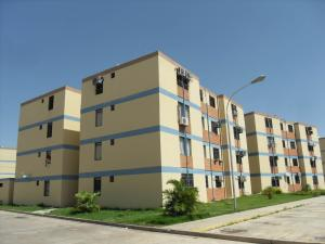 Apartamento En Venta En Municipio Los Guayos, Paraparal, Venezuela, VE RAH: 16-10330