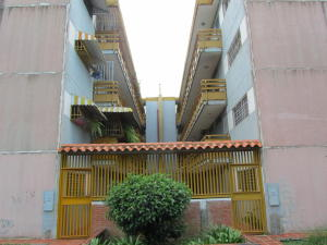 Apartamento En Venta En Charallave, Arichuna, Venezuela, VE RAH: 16-10353