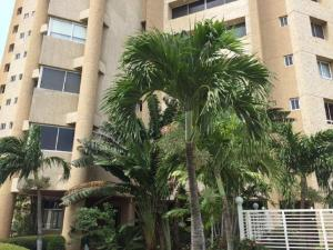 Apartamento En Venta En Maracaibo, La Lago, Venezuela, VE RAH: 16-10379