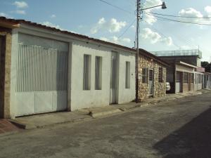 Casa En Venta En Maracay, La Morita, Venezuela, VE RAH: 16-10405