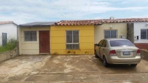 Casa En Venta En Maturin, Maturin, Venezuela, VE RAH: 16-10409