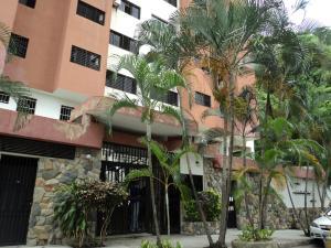 Apartamento En Venta En Valencia, Las Chimeneas, Venezuela, VE RAH: 16-10463