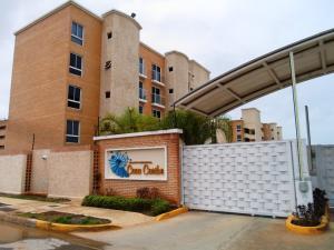 Apartamento En Venta En Margarita, Sabanamar, Venezuela, VE RAH: 16-10427