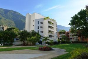 Apartamento En Alquiler En Caracas, Los Palos Grandes, Venezuela, VE RAH: 16-10433