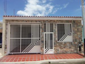Casa En Venta En Municipio Los Guayos, Buenaventura, Venezuela, VE RAH: 16-10437