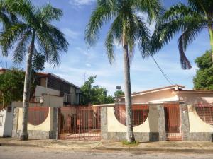 Casa En Venta En Maracay, El Limon, Venezuela, VE RAH: 16-10448