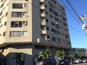Apartamento En Venta En Margarita, Pampatar, Venezuela, VE RAH: 16-10471