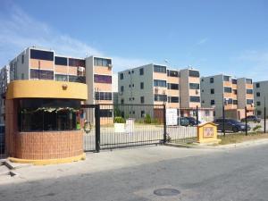 Apartamento En Venta En Municipio Los Guayos, Paraparal, Venezuela, VE RAH: 16-10479