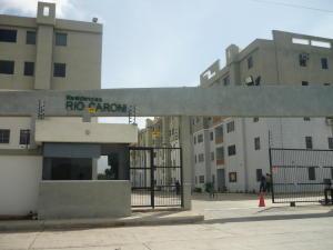 Apartamento En Venta En Municipio Los Guayos, Paraparal, Venezuela, VE RAH: 16-10551