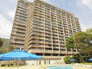 Apartamento En Venta En Parroquia Naiguata, Camuri Grande, Venezuela, VE RAH: 16-10575