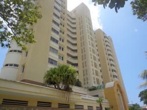 Apartamento En Venta En La Guaira, Camuri Grande, Venezuela, VE RAH: 16-10976